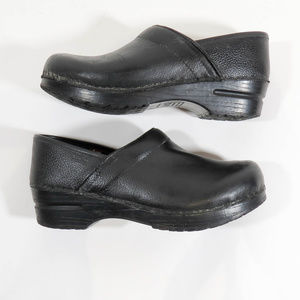 Sanita The Original Size 38 Black Leather Clogs